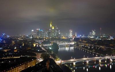 Klein Hour2300 Skyline Frankfurt